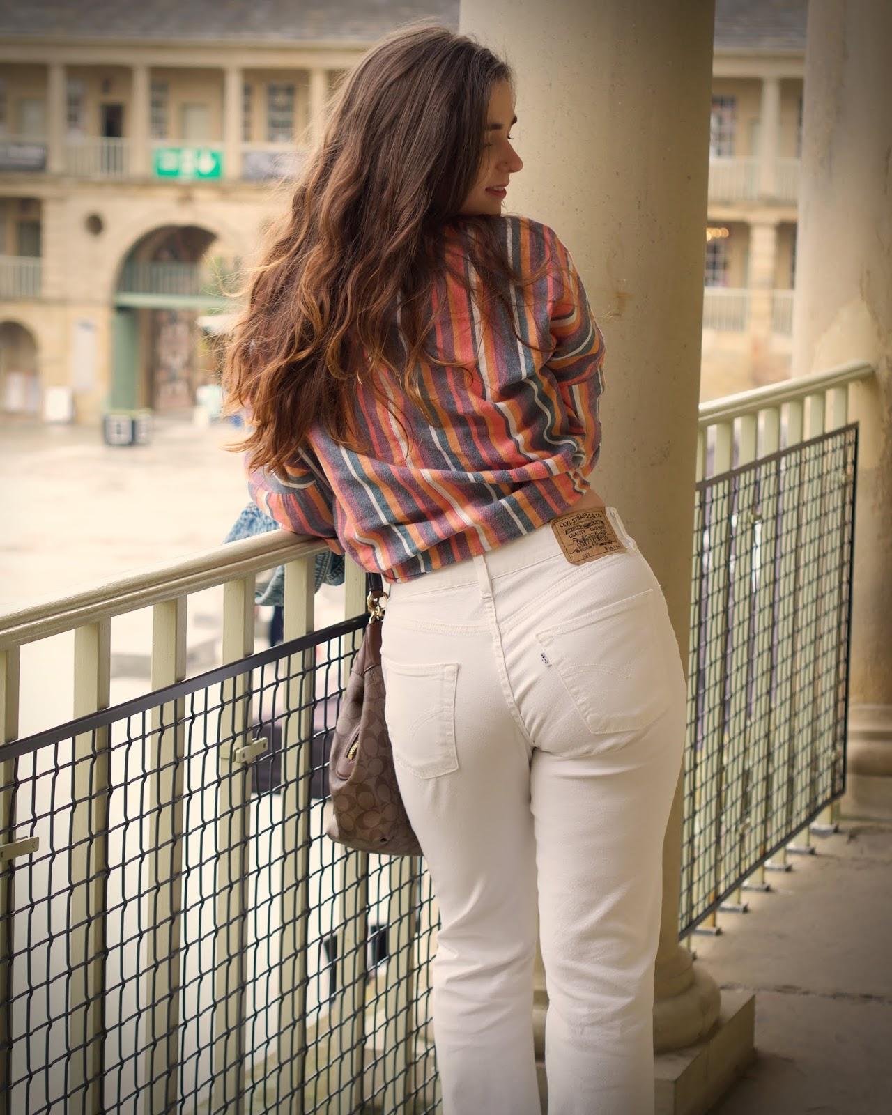 white levis jeans