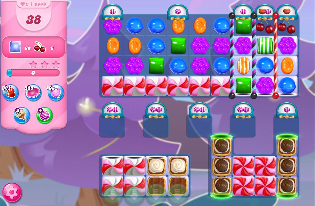Candy Crush Saga level 8944