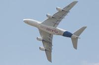 Flyreiser innenlands og utelands er punkter på kortet. Fri bruk, pexels.com