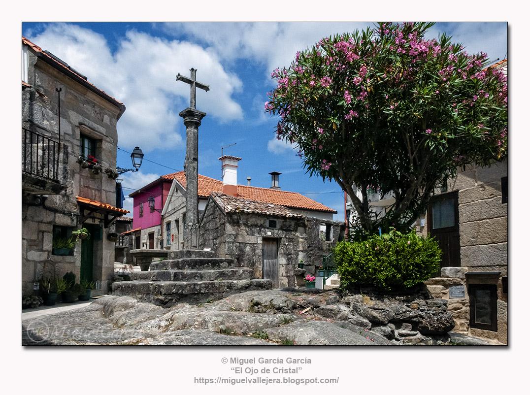 Combarro (Pontevedra), cruceiro.