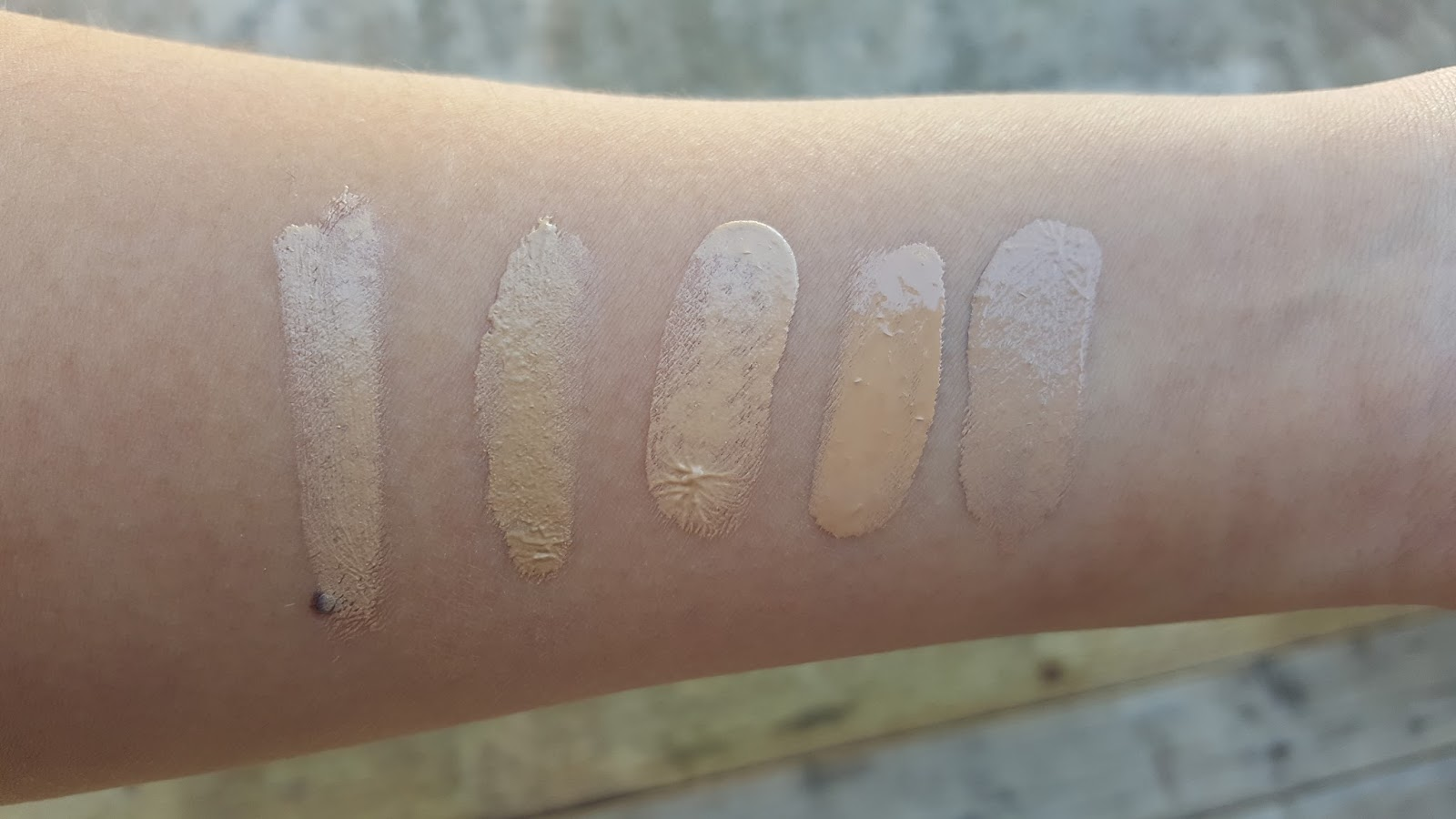 Illusion Hyaluronic Skin Tint by Hourglass #5