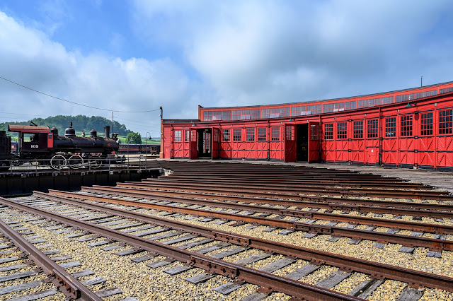 Turntable at the Age of Steam Roundhouse