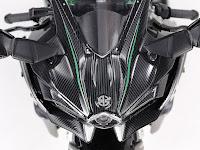 kawasaki-ninja-h2-carbon-head