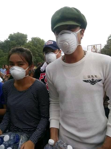 KathNiel visits Batangas to bring relief goods to Taal evacuees