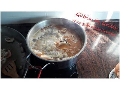 preparando-caldo-paella-marisco-02