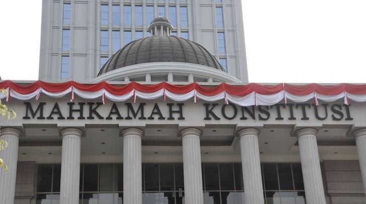 MK Bolehkan Pegawai Nikah dengan Teman 1 Kantor
