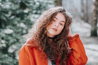 تاثير تساقط الشعر على النساء