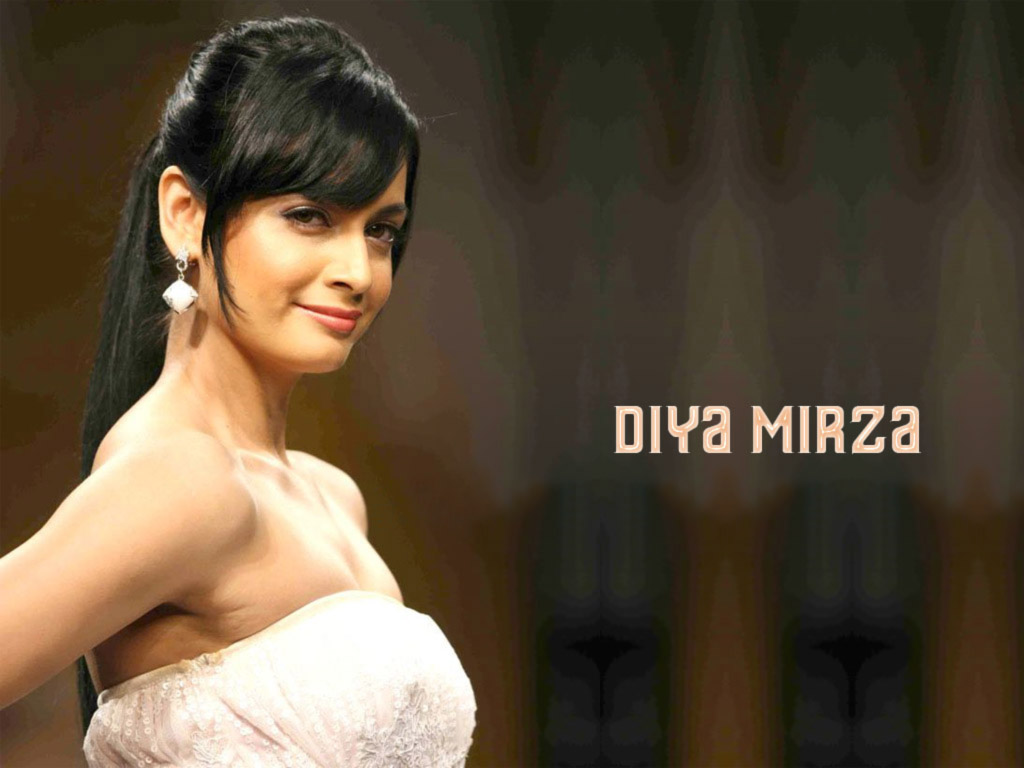 Diya Mirza Hot And Sexy Wallpapers Photos  Mytopgallery -7745