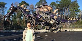 تعرف علي Kim Masi ، المهندسة الميكانيكية في Disneyworld في فلوريدا