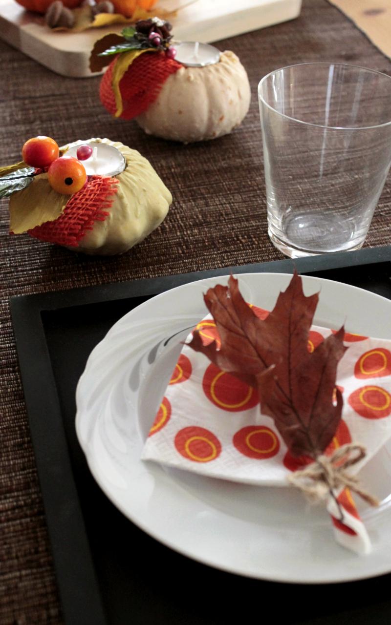decorare-la-tavola-con-zucche-e-candele-diy