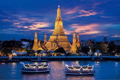 Sungai Chao Phraya dengan Kapal