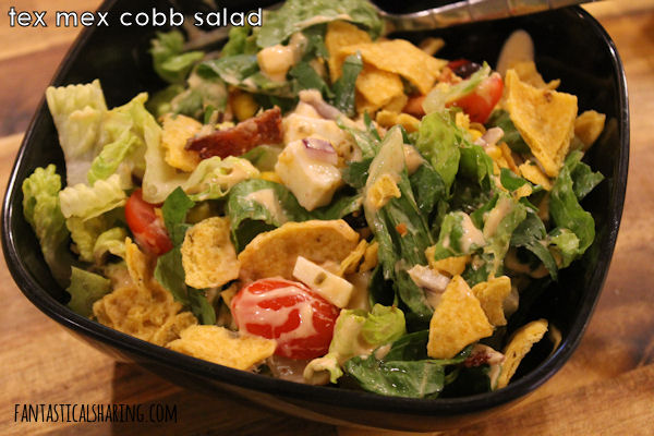 Tex Mex Cobb Salad #maindish #salad #chicken #bacon #maindish