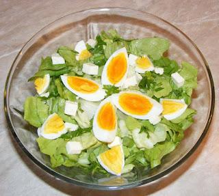 salate, salata verde, salata verde cu oua, salata verde retete, salata verde preparare, salata verde reteta simpla, salata cu oua, retete, retete culinare, diete, cure, regim, salata,