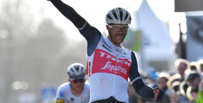Il belga Stuyven vince la Milano-Sanremo n.112