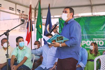 Fotografia do pré-candidato a deputado estadual pela Bahia, Júnior Nascimento, em visita à cidade de Ponto Novo