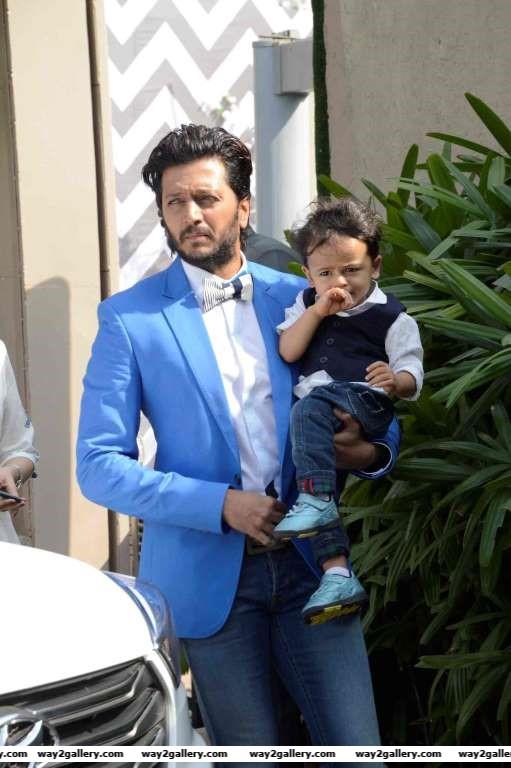 Riteish Deshmukh and family dropped in at Arpita Khans baby shower