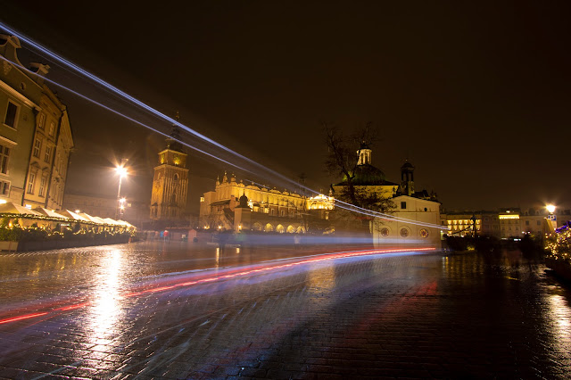 Rynek Glowny di notte-Cracovia