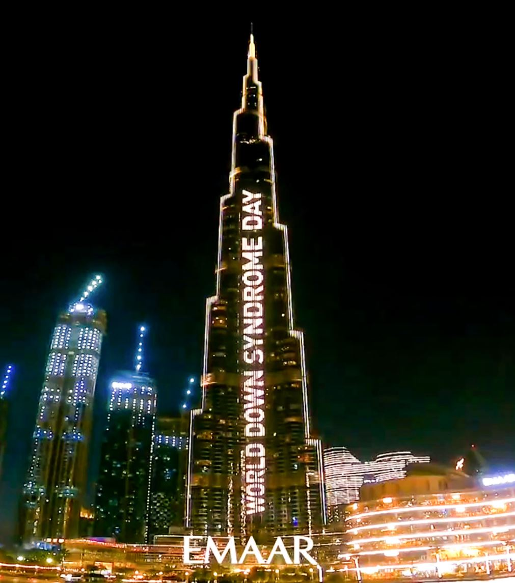 برج خليفة يحتفي بيوم متلازمة داون