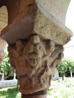 ROMÁNICO EN NUEVA YORK. THE CLOISTERS MET. Claustro de Saint Michel de Cluxa. Capitel 11
