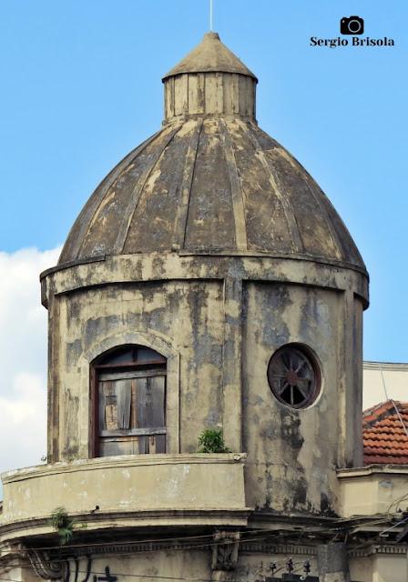 Close-up de um Minarete antigo na Rua São Caetano - Luz - São Paulo