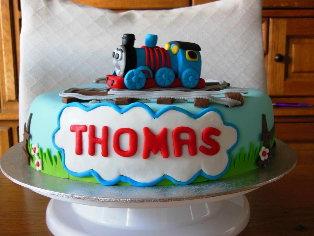 thomas is jarig Hand and Home Made by Joan: Voor een jarig jongentje thomas is jarig