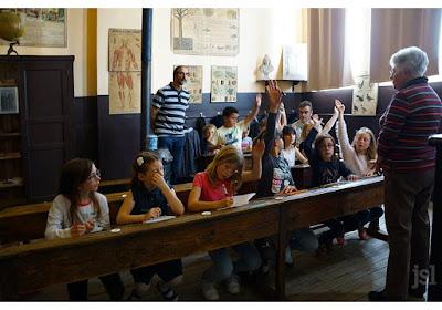 L'école de Saint-Romain et deux instituteurs