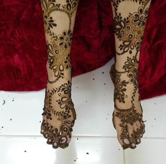 Leg mehandi design   Best Leg Mehndi Designs Ideas Easy Mehndi Designs for Legs Step by Step Simple Legs Henna Patterns for Wedding Beautiful Mehndi Designs Pictures for Legs 2017 Latest Legs Mehndi Henna Designs Ideas Cute Henna Tattoos Designs for Legs