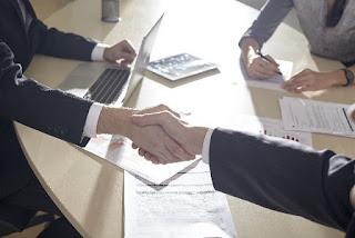 営業戦略とは?営業戦略の立て方と営業戦略のフレームワーク