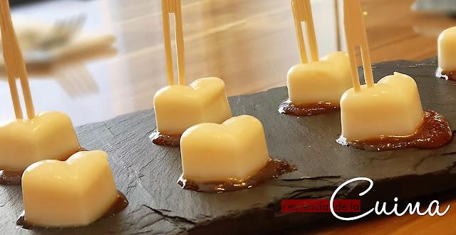 Bombó de Parmesà, Aperitiu, tapa, bombón de parmesano, formatge, queso, melmelada tomàquet, l'essencia de la cuina, blog de cuina de la sonia