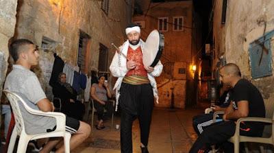 Pria Kristen Di Israel Ini Bantu Bangunkan Muslim Untuk Sahur