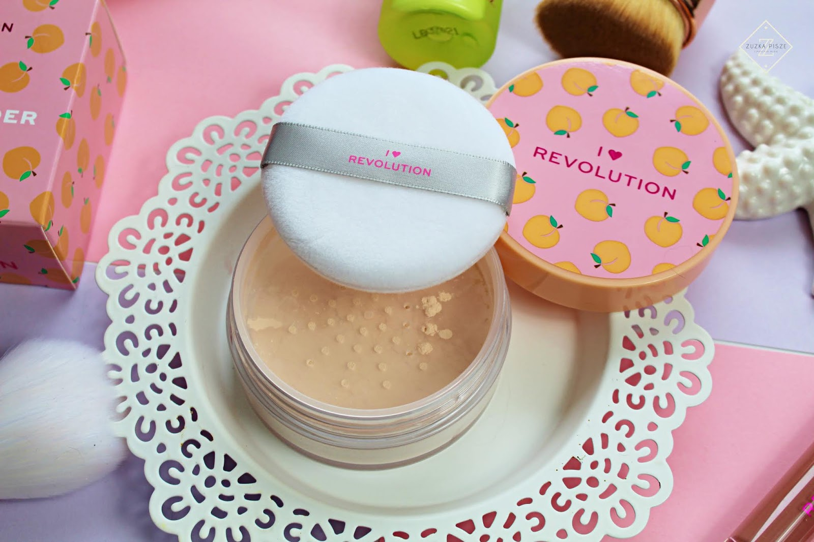 I Heart Revolution Loose Baking Peach - puder sypki