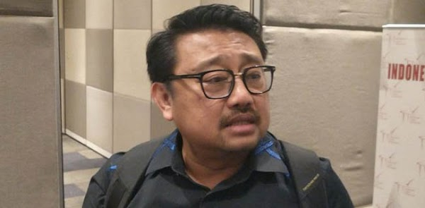 Serang Ngabalin, Rachland Nashidik: Anda Yang Di Istana Sampah Otoriterisme!