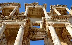 Celsus Kütüphanesi kim tarafından kurulmuştur?