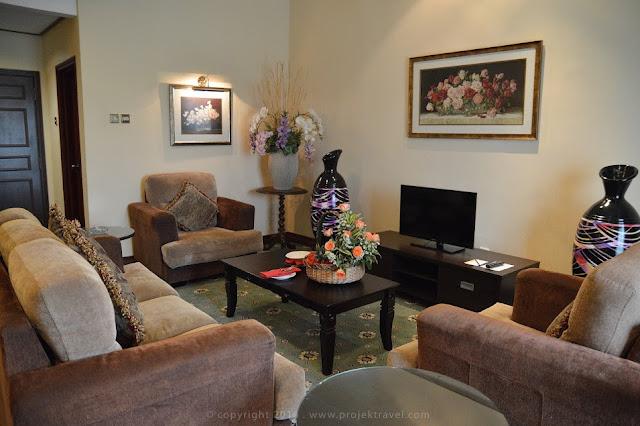 Ruang tamu di bilik Presidential Suite Hotel Klana Resort Seremban