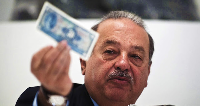 """La pobreza se combate con trabajo, no """"con caridad"""", afirma Carlos Slim"""