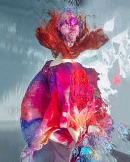 arte femenino-fotográfico-confundido-con-pintura mujeres-arte-fotografico