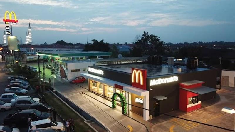Pengalaman Pertama Menjamu Selera Di McDonald's Pasir Pekan Kelantan Yang Baru Di Buka