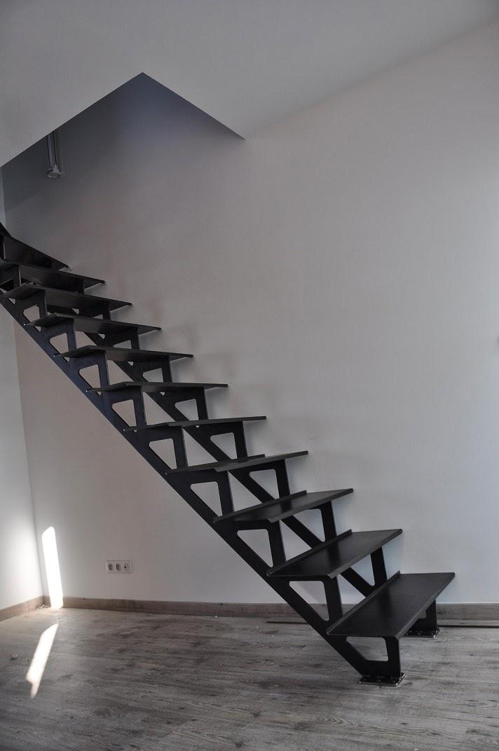 vincent brix cr ations mobilier en acier ambiance indus divers escaliers m talliques. Black Bedroom Furniture Sets. Home Design Ideas