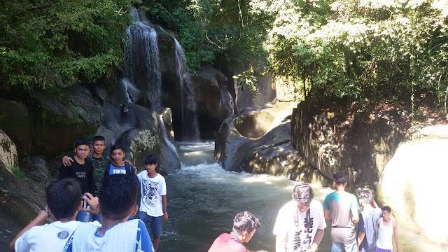 [Laporan Utama] Wisatawan Serbu Destinasi Trekking Lubuak Nyarai