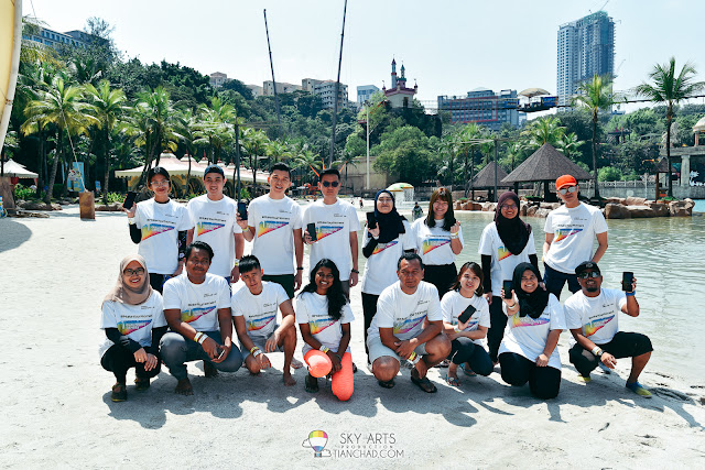 "Eight groups of adventure seekers joining the ""Galaxy A8 Lagoon Quest"""