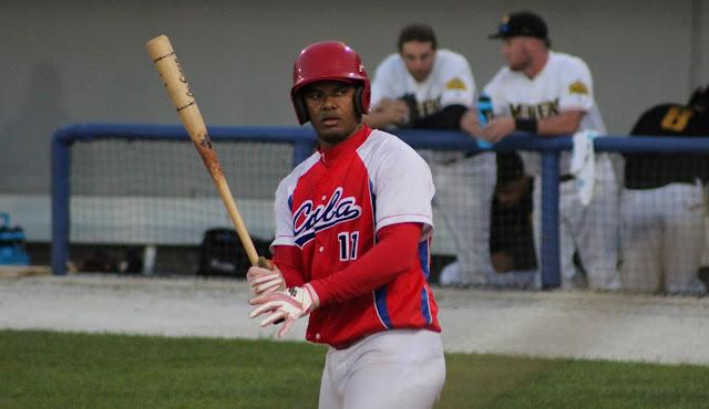 El catcher Yosvani Alarcón, que también se desempeñó como bateador designado,promedió para 433 en la Can-Am League