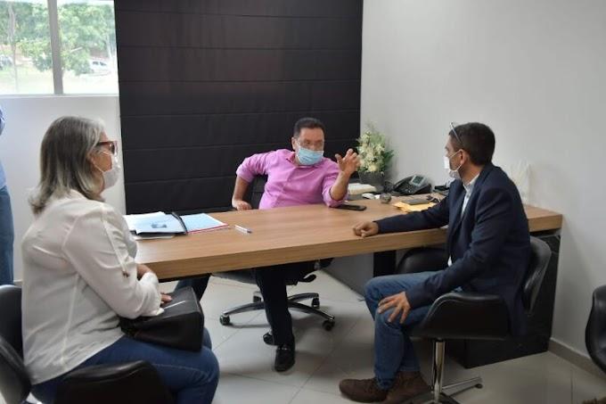 Prefeito Alex Berto pega carona em ação da ex- vereadora Selma Anzil que conquistou investimentos para Rosário Oeste