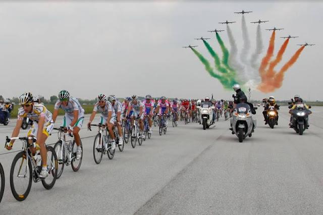 partenza Giro Italia Rivolto Frecce Tricolori