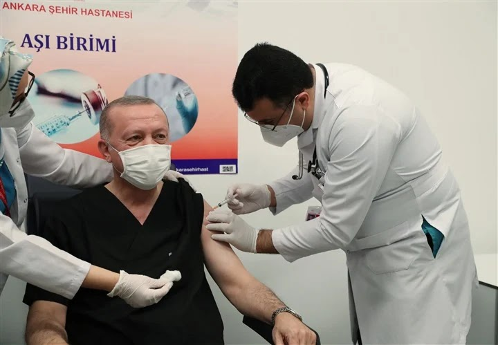 Erdogan gets the Chinese vaccine and continues lying to his people.