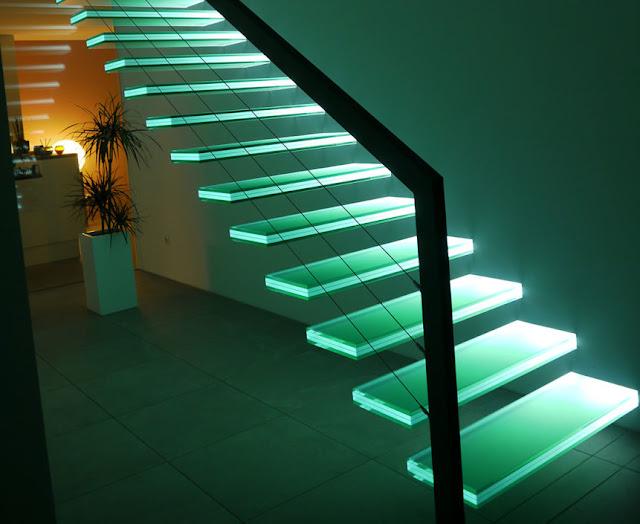 Cầu thang kính - mẫu số 2