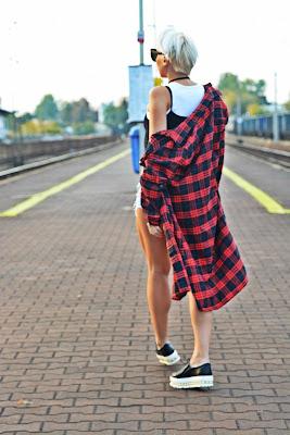 plaid_shirt_black_top_choker_karyn