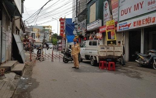Phong tỏa khẩn cấp khách sạn, khu dân cư liên quan đến chuyến bay VN0054
