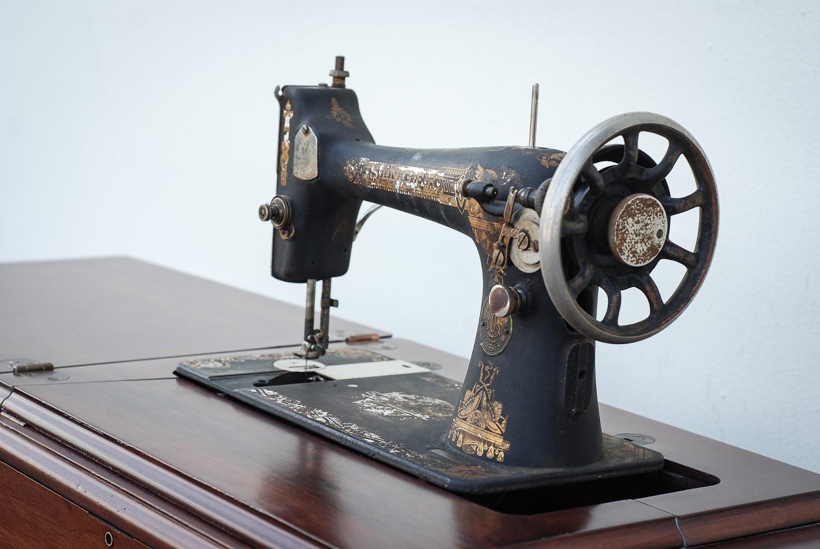 1911 Singer Sewing Machine Finish Pros
