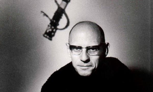 Hacia una crítica de la razón política | por Michel Foucault