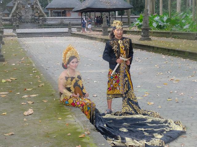 habits traditionnels ubud bali